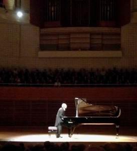 Maestro Maurizio Pollini taking a bow