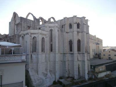 Ruins-of-Carmelite-Church---Bairro-Alto