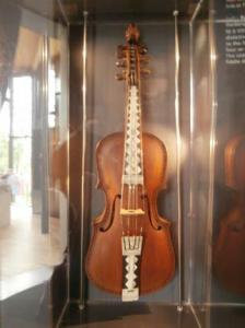 Hardanger fiddle – Grieg Museum