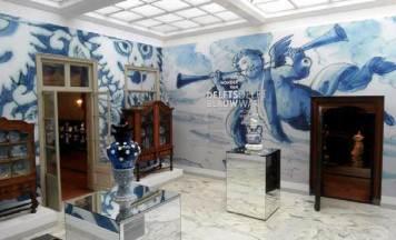 The Hague: Gemeente Museum: Blue Delftware Exhibition