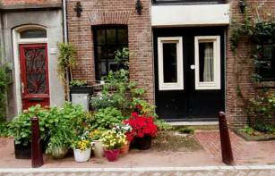 Amsterdam: a charming abode,