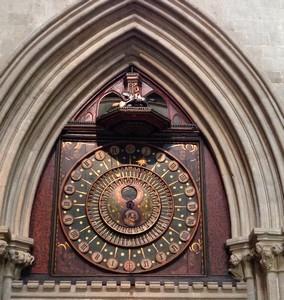 14 Wells clock ed