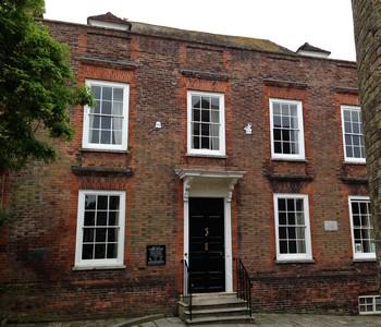 35 Lamb House b ed
