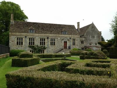 4 Tudor manor ed