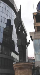48 cubist statue rot skopje ed