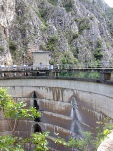 73 Matka Dam Wall 2 rot
